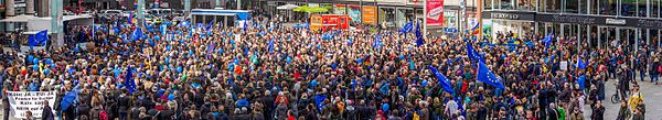 PulseOfEurope Cologne Panorama 2017 03 19 0933 37